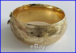 14K Yellow Gold Hinged Bangle Intricate Design Wide Bracelet 7 inches