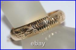 18K/750 Yellow Gold Fancy Diamond-Cut Wide Bangle Bracelet Fine Estate Jewelry