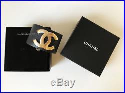 Nib 2018 Chanel Navy Gold CC Logo Wide Leather Cuff Bracelet L
