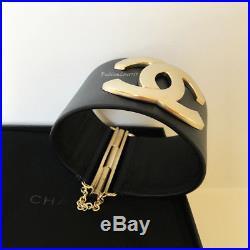 Nib 2018 Chanel Navy Gold CC Logo Wide Leather Cuff Bracelet M